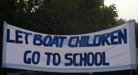 let-boat-children-go-toschool2